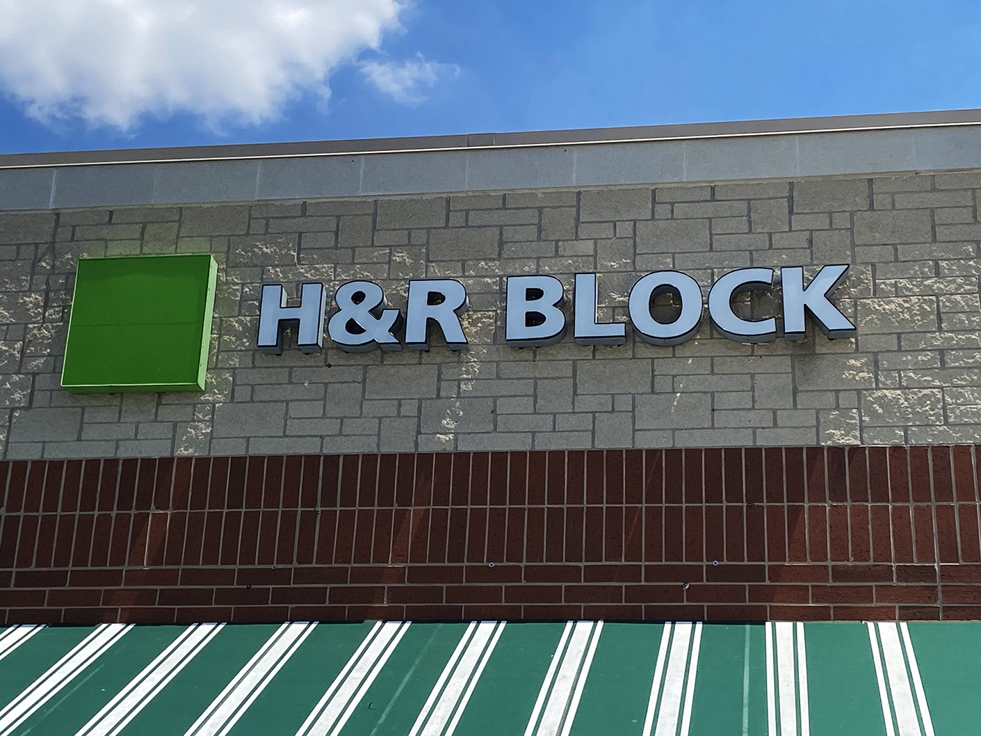 HR-Block-Shorewood-3